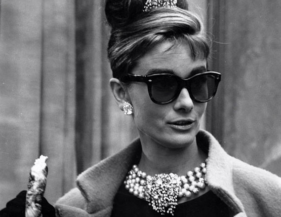 Audrey-Hepburn-Breakfast-At-Tiffanys-Cats-Eye-Sunglasses-How-To-Paula-Joye