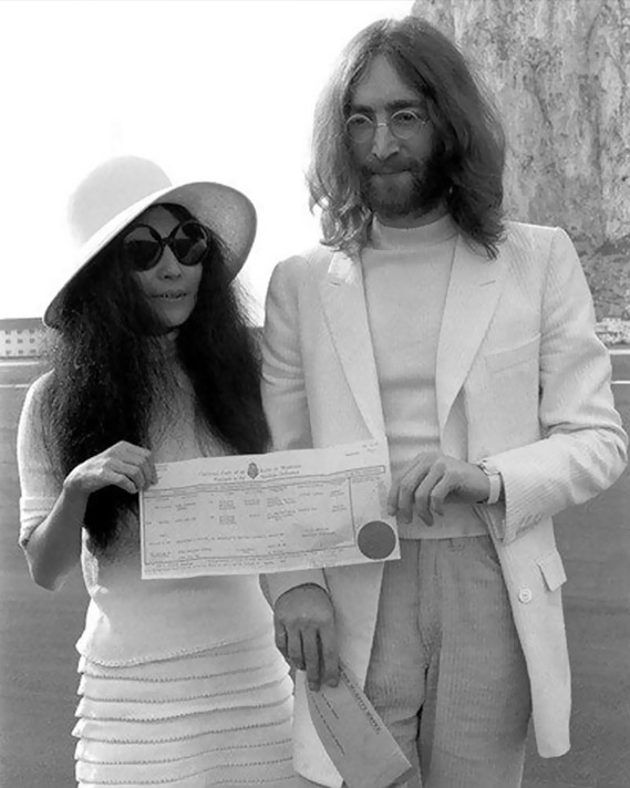 yoko-ono-in-linda-farrow-edited
